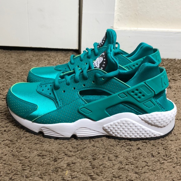 check out 62fcf 63217 Nike Huaraches - Turquoise. M 5ba1ad7f9539f761dce7b8a8